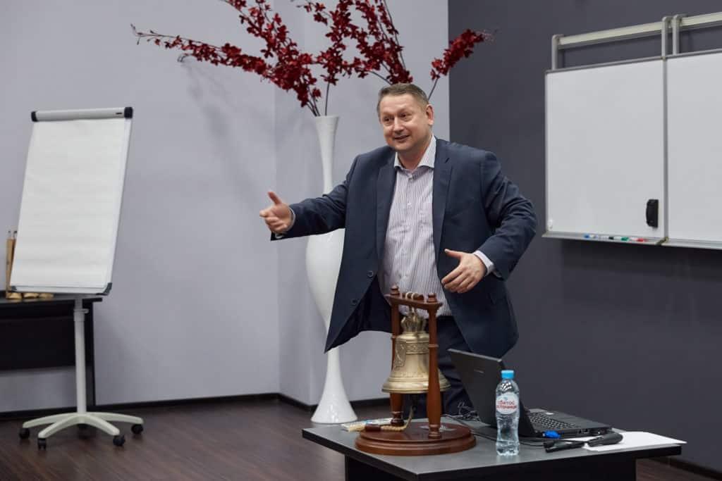 Николай Рысёв выступает в бизнес-школе ИМИСП для Делового Петербурга